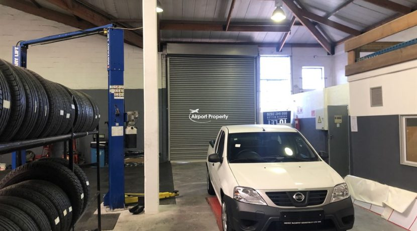 warehouse to rent airport industria p188 8